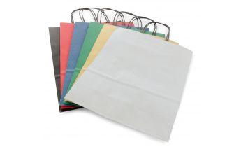 Цветные мешочки из крафт-бумаги с чёрными шпагатными ручками