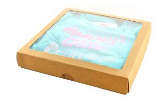 Divdaļīga dāvanu kastīte  ar lodziņu no kartona