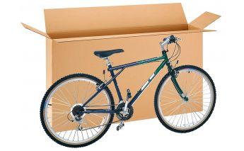 Kaste no kartona domāta divriteņu, bilžu, televizoru un citu lielāku preču pārvadāšanai